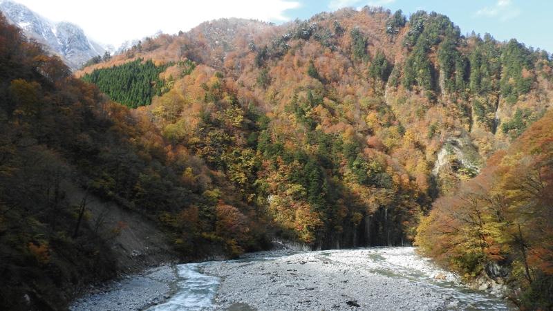 黒部峡谷トロッコ鐘釣付近川
