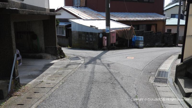 宇根展望台への狭い道
