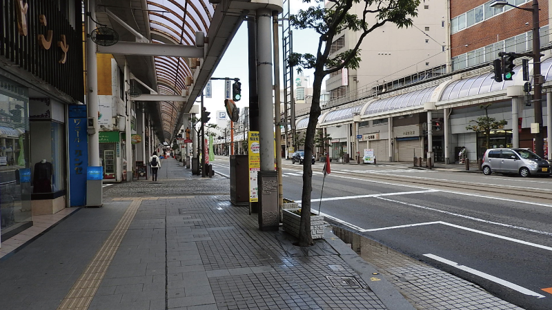 高岡駅・万葉線の商店街