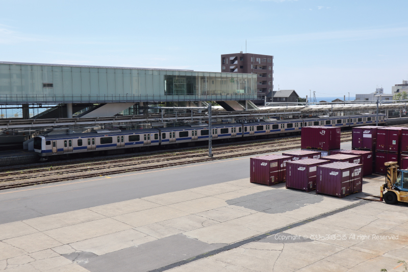 日立駅に停車のE531