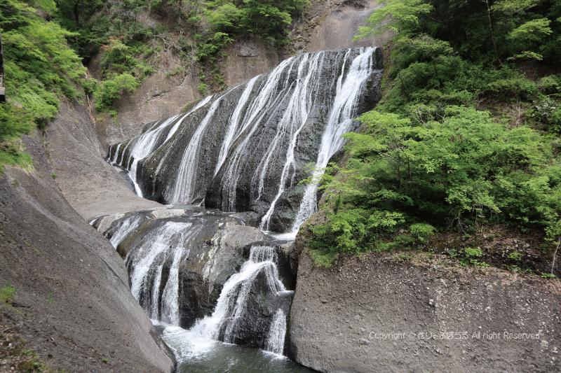 袋田の滝近く