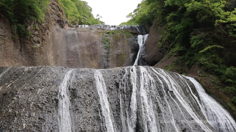 袋田の滝正面