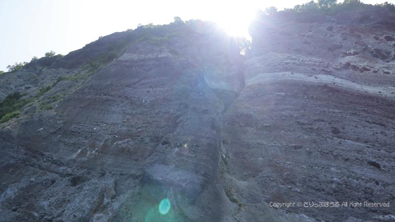 小樽クルーズ断崖絶壁