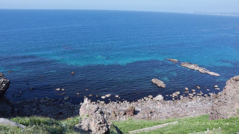 場所により色が違う不思議な海