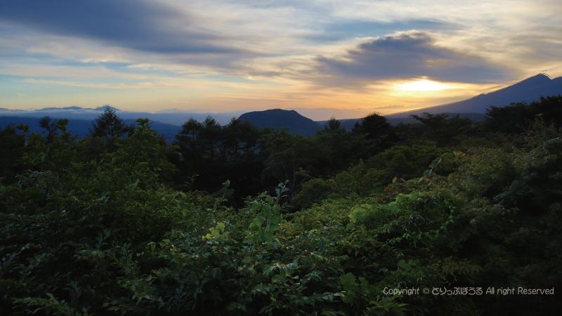 軽井沢見晴台から浅間山方面
