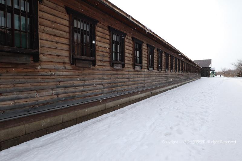 舎房と中央見張り所