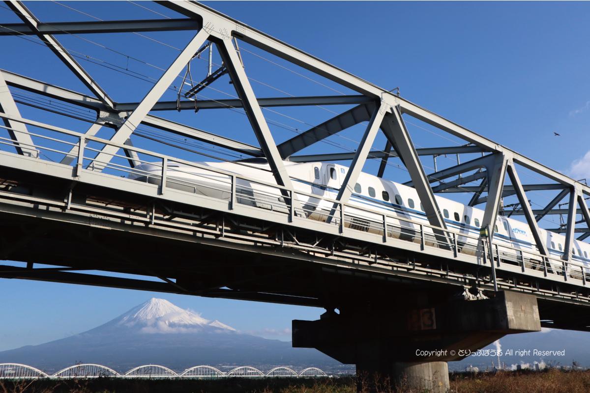 1/4000新幹線と富士山