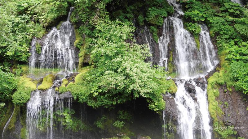 清里吐竜の滝