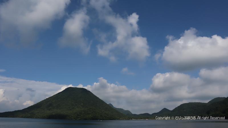 榛名湖バス停付近から榛名富士