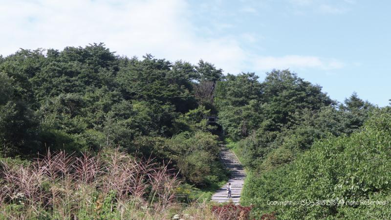 榛名山頂駅から榛名山頂階段