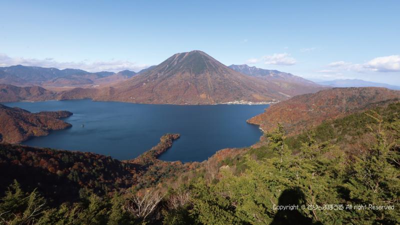 半月山展望台から中禅寺湖