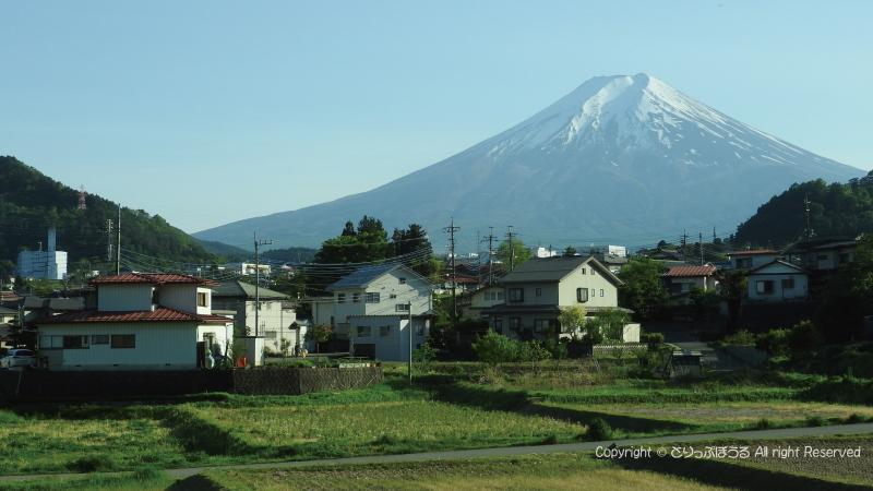 富士急車内から富士山